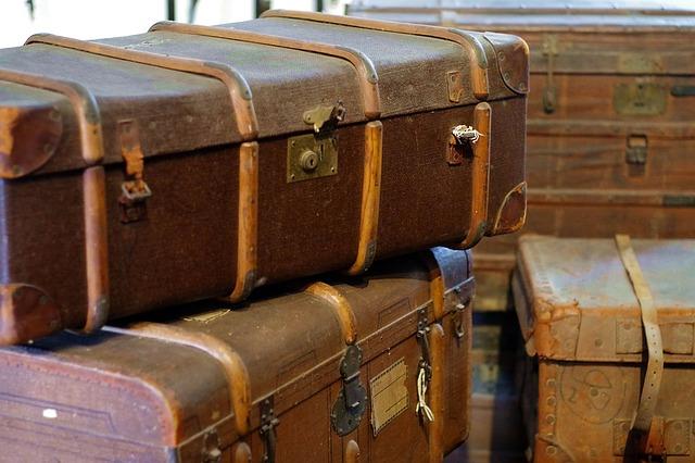 trunks-1527657_640