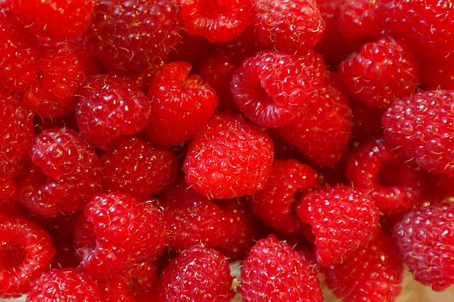 raspberries-227976_640